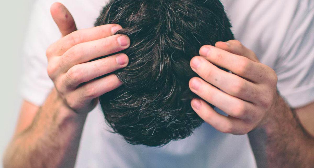 La forfora o Pitiriasi: cause e soluzioni a questo problema